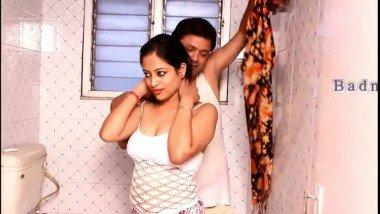 Hot Bhabhi Get Seduced in Bathroom Hot Video