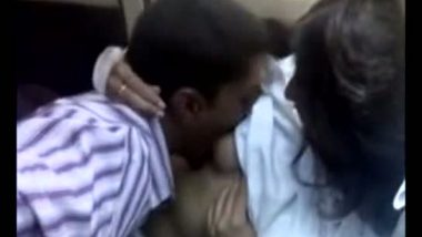 Carsex involving young college couple