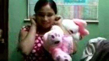 Dating college friend Suchi's topless sex chat