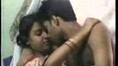 Newly Wed Bhabhi Cum On Her