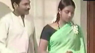 Green Sarhee Mallu Cute Wife