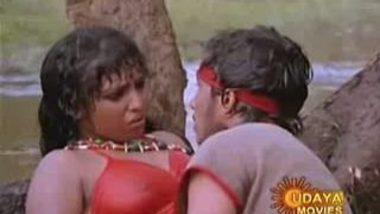 Mallu Couple Get SEx In Water