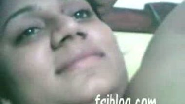 Porn video of a super-hot Indian bhabi