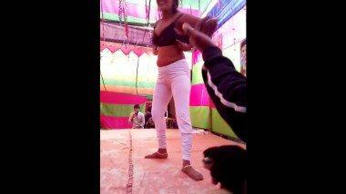Desi Girl in Bra Doing Hot Dance in Public Hot Mms