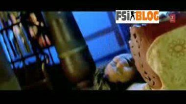 Bengali actress Rinkoo ghosh in Masala film