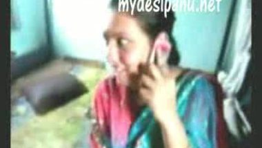 Sexy Indian teen girl porn vid during phone talk