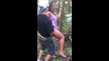 Maripuri college girl outdoor fucked by lover in college picnic