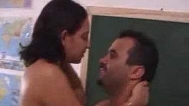 Gujarat Teacher have hardcore Sex In the college Classroom