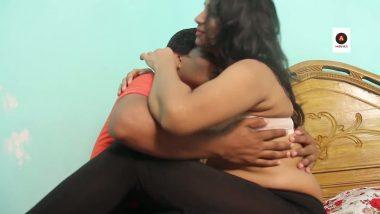 Punjabi mature aunty romance with young boy