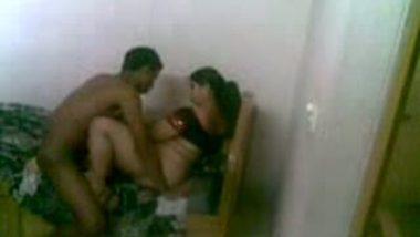 Hidden cam caught Gorakpur auntie's sex affair