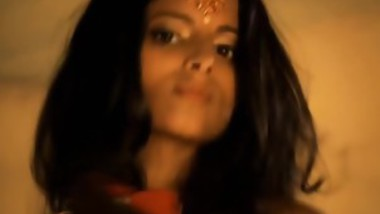 Indian Babe Lets Her Snake Writhe Around On Her Naked Body