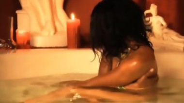 Arabian Beauty Plays With Pussy In The Bath