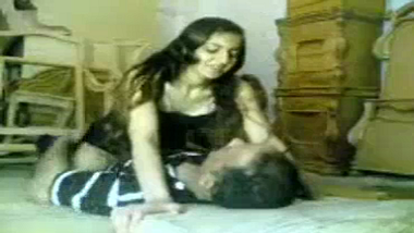Sexy Mumbai office girl hardcore sex with manager!