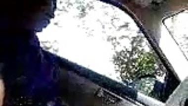 Tamil maid feeling dick in car