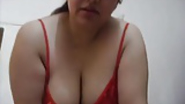 Horny Bhabhi in Red Sucking