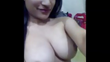 Indian babe Aisha nude selfie
