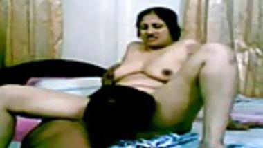 Busty Indian Desi SelfMade Sex Scandal