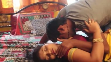 Desi bhabhi arousing lover's mood in bedroom