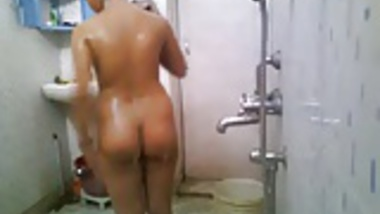 Stupid Bengla desi boy setup cam NOT elder sister's bath