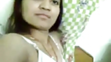 Indian college girl shows off with bf