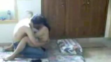 Sexy Desi Woman Making Love with Her Boyfriend-hotcamgirls.in