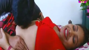 Mature sexy bhabhi videos of a Bengali housewife.