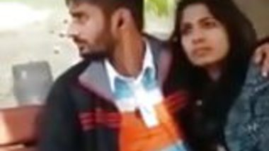 northindian girl and boy blowjob in park