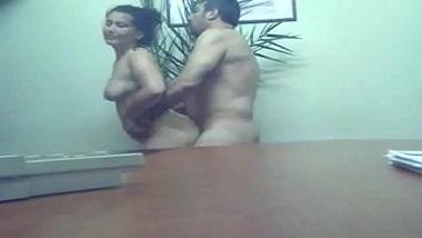 Indian sex scandals office colleagues on hidden cam