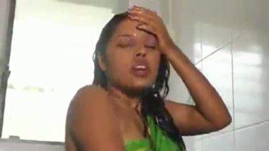 Desi sister hot shower video leaked mms