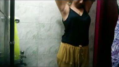 Punjabi teen shower bath hidden cam mms
