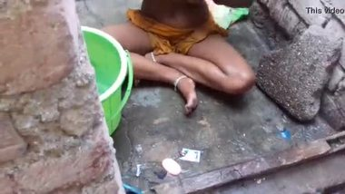 Desi bath video of a village teen