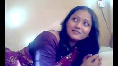 Beautiful bhabhi enjoyed by her devar in the hotel