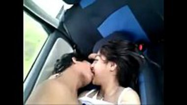 Naked desi girl romancing with her lover in car