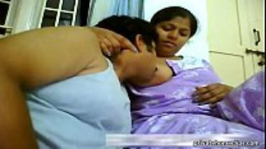Uncle sucking nipples of a Bengali aunty