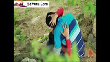 Pressing boobs of a hot Indian girl in the forest