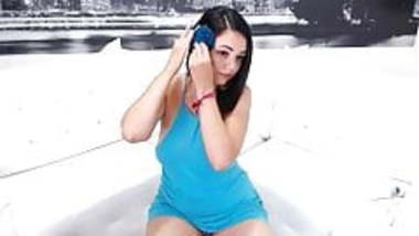 Indian girl Neha Webcam Seducing.