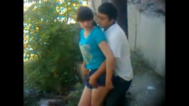 Anal Sex MMS Of Young Desi Couple In Park
