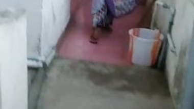 Flashing to neighbor tamil aunty