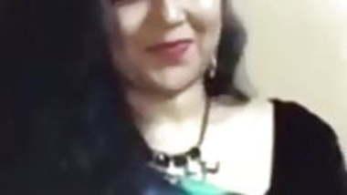 indian hot singer ramya nalluri karaoke vertical edit