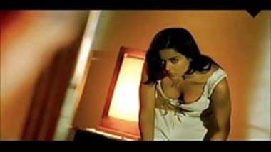 NONPORN Sameera Reddy & Koena Mitra Seducing Bollywood Scene