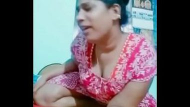Sexy Tamil Bhabhi's Erotic TikTok Video