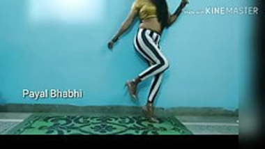 Payal Bhabhi Hot Indian Dancing In Stripe Leggings