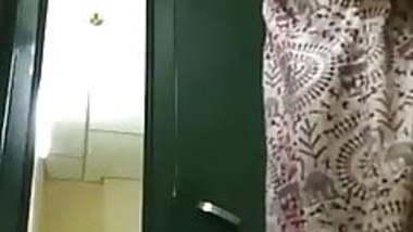 Tamil housewife dress change