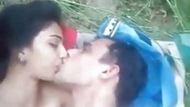 Desi Village Girl Ourdoor Sex With Her Neighbour!!!!