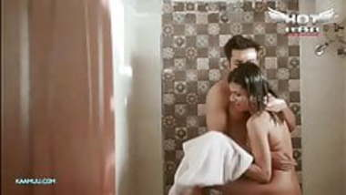 Desi Girl Nude ass and nipples show while fucking with boyfr