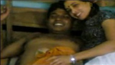 Mature Desi Randi Aunty With Customer