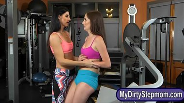 Hot milf India Summer enjoyed threesome action in the gym