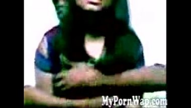 Bangladeshi hot girl enjoyed in a hotel room MMS