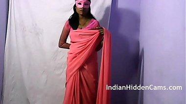 Indian Teen Babe Radha Rani MMS Scandals