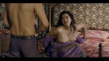 Hot actress nude boobs